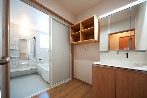 親世帯の洗面脱衣室とお風呂