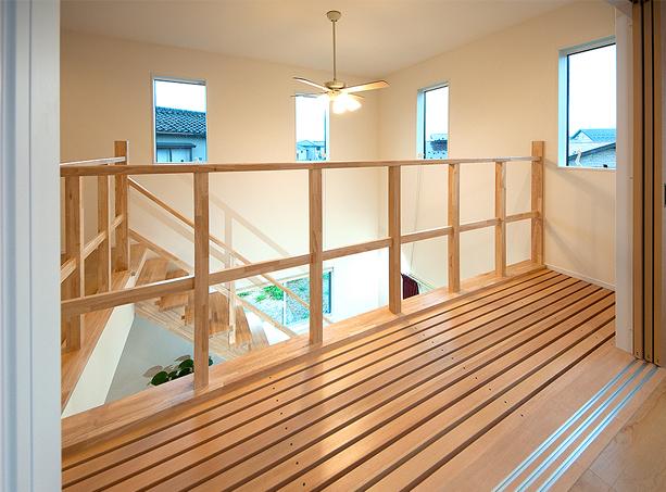 木製格子廊下