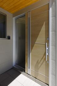 玄関の引戸