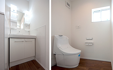 2階の洗面台とトイレ