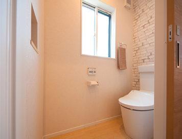 ゆったりとした2階トイレ