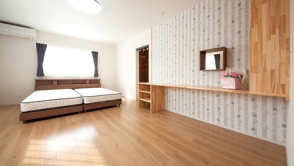 オリジナル家具のあるベッドルーム