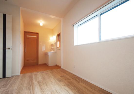 廊下と洗面台