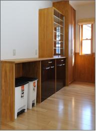 2Fシステムキッチン収納棚